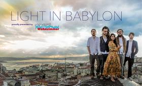 Bild: Light in Babylon - proudly presents by unplugged Wohnzimmer