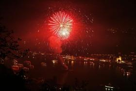 Bild: Rhein in Flammen an der Loreley das Original - Schifffahrt mit Feuerwerk inkl. 2-Gänge-Menü