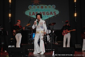 The King is back - Elvis the Show - RIO THE VOICE OF ELVIS