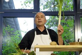 Bild: Die Kartoffelsuppe - Nahrhaftes Theaterstück über das Kochen, über Erlebtes und Geliebtes – ab 6 Jahren