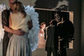Bild: Neues Stück II - Kreation von Alan Lucien Øyen - Tanztheater Wuppertal Pina Bausch