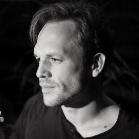 Songs und Chansons im Schlösschen - Fahrlässige Poesie - Doppelkonzert mit Milian Otto und CaroKisteKontrabass