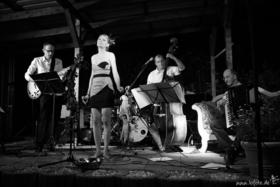 Bild: Verena & The Paradise Club - Tangoblues und Polkaswing