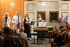 Bild: Virtuos barockes Feuerwerk im Schloss