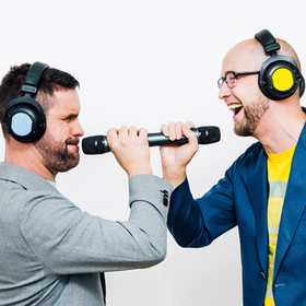 Bild: Hartmuth und die Hitmaschine - Männer, die ins Weltall starren