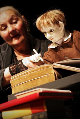 Bild: Das Buch von allen Dingen - Figurentheater Margit Gysin