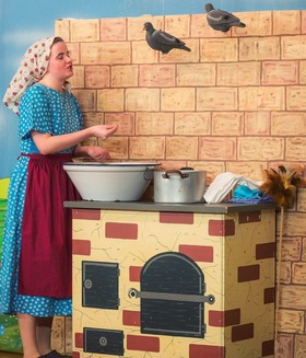 Bild: Aschenputtel - Altstadttheater Nürnberg - Märchen für Kinder ab 4 Jahren und Erwachsene