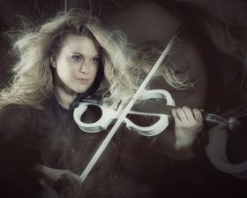 "Bild: Katrin Wettin & The Classic Sounds - ""Von Bach bis AC/DC"""
