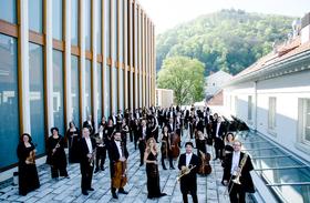 Bild: Philharmonisches Orchester Heidelberg  mit dem Dirigenten Olivier Pols