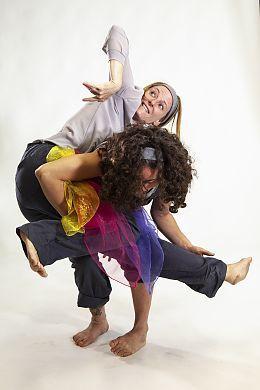 Bild: Die Dichtermaus oder wer kann schon Farben fangen - Gesa Volland und Lilian Mosquera