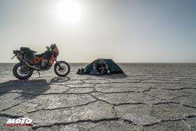 Bild: Abenteuer Abseits - Ruhe und Wahnsinn - Fotografenleben in der Wüste