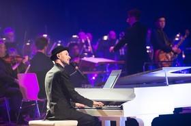 """Bild: """"Schmitt singt Jürgens – Die Udo Show"""" – mit Big Band - Musikalische Show"""