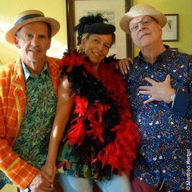 Bild: Manfred Herbst - Wir machen Musik, da geht euch der Hut noch