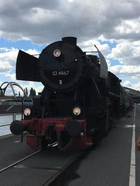 Bild: Halloween Express auf der Hafenbahn Frankfurt
