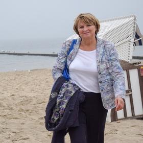 Bild: Barbara Syrbe - Buchpremiere - Barbara Syrbe: Die Erste - 17 Jahre rote Landrätin im Norden