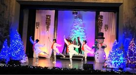 Bild: Festlicher Weihnachtszauber - Eine Show mit Liedern und Songs vom Christkind zu Santa Claus