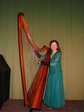 Bild: Vom roten Drachen und Zauberharfen, Dagmar Flemming - Harfenkonzert (Walisische und Keltische Harfe)