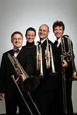 Bild: Culinarcabaret Nr. 48 – 25 Jahre Blechquadrat - 25 Jahre mit der Lizenz zum Tröten - Jubiläums-Soirée mit Posaunen & Trompeten von Klassik bis Pop.