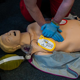 Bild: Erste Hilfe Ausbildung - Deutsches Rotes Kreuz