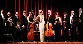 Bild: Annette Postel und das Salonorchester Schwanen - 15. Neujahrskonzert in Zusammenarbeit mit der Stadt Münsingen