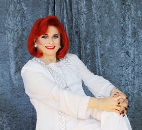 Bild: JOY PETERS - Die Frau mit den roten Haaren