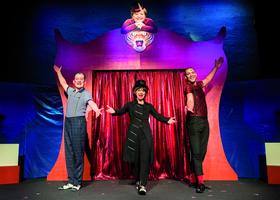 Bild: Kabarett Distel: Zirkus Angela - Schicksalsjahre einer Kanzlerin