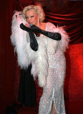 "Dorit Gäbler präsentiert ""Hommage an Marlene Dietrich"""