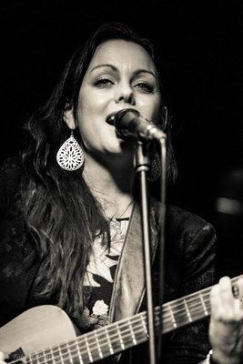 Bild: Prita Grealy - Australian 'Hip Soul Folk' Live Loops