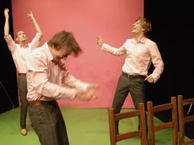 Bild: Drei - Mit 50 Erdnussbutterstullen ins große Abenteuer - Schauspiel für Kinder ab 4 Jahren