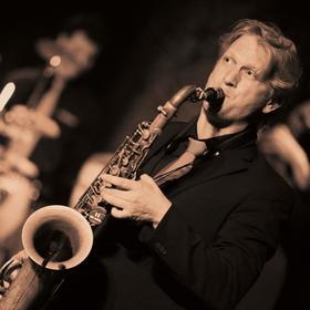 Bild: Meisterklassensaxophonist Darius M. Hummel & Band - Weltbekannte Hits aus Rock, Pop, Jazz und Klassik