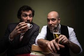 Bild: Leonhardsberger & Zinner: Kaffee & Bier - Kabarettistische Lesung mit Musik