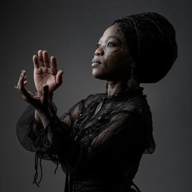 Mélissa Laveaux (Kanada) - Moonlight Benjamin (Haiti)