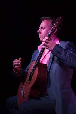 Bild: Gitarrenkonzert bei Kerzenschein mit Klaus Wladar - Stimmungsvolles klassisches Gitarrenkonzert bei Kerzenschein I Latin, Klassik, Spanisch