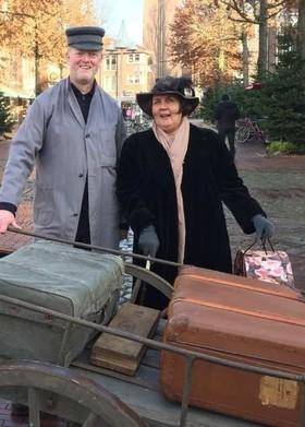"""Bild: """"Wo bleibt denn bloß der Kofferträger…"""" - ein Schauspiel durch 100 Jahre Bad Geschichte"""