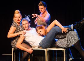 Bild: Weiberfasching: Auf der Suche nach jungen Männern - Cougar, ein frivol-lustiges Broadwaymusical