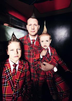 Bild: Archie Clapp - Scheiße Schatz, die Kinder kommen nach Dir!