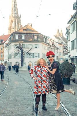 Bild: Betty BBQ präsentiert: Freiburg ist fett! - – Die Comedy City-Tour mit Kerstin Luhr