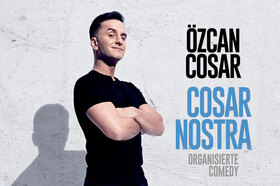 Bild: Özcan Cosar - - Cosar Nostra – Organisierte Comedy