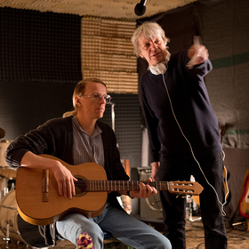 Bild: Alexander Scheer, Andreas Dresen & Band spielen Gundermann