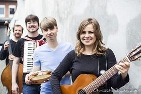Bild: Fee Badenius & Band - Feederleicht