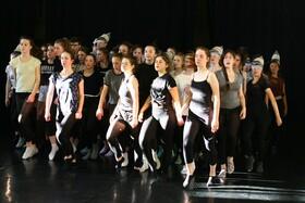 Bild: Masse - Tanzklassen und Dresdner Jugendsinfonieorchester des Heinrich-Schütz-Konservatoriums