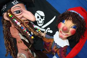 Bild: Kasper  und der Pirat der sieben Meere (4+) - Ein spannendes Seeräuber-Abenteuer mit Kasper und Bello