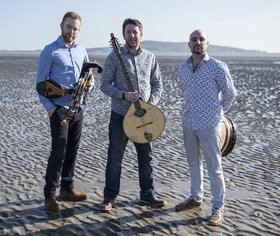 Bild: Daoiri Farrell Trio - Irischer Power Folk!