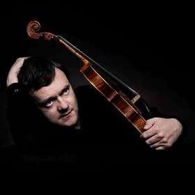 Bild: Bamberger Symphoniker - Frank Peter Zimmermann (Violine) unter der Leitung von Jakub Hruša