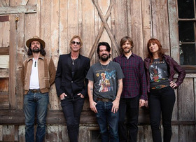 Bild: DUFF MCKAGAN - FEATURING SHOOTER JENNINGS