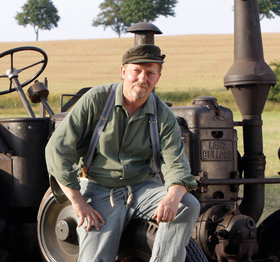 Bild: Günther, der Treckerfahrer - Jahreshauptversammlung