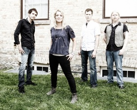 "Bild: Sarah Smith& Band ""Live"""