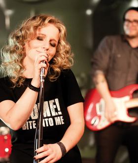 Bild: SCHOKOLADENKONZERT - Christina Rommel und Band