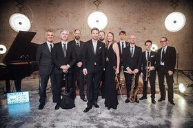 Bild: Marc Secara & Orchester -