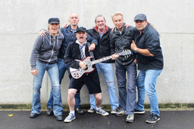 AB/CD - Deutschlands AC/DC Coverband Nummer 1 – Bon Scott meets Brian Johnson